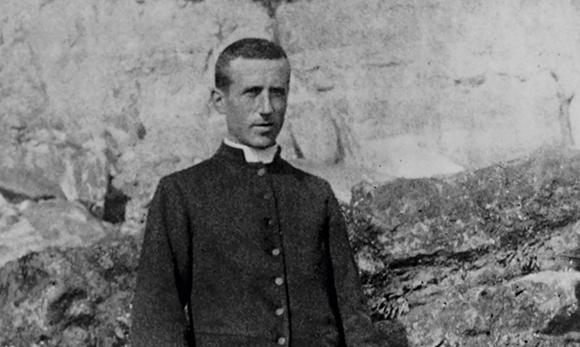 Muere Pierre Teilhard de Chardin S.J.,